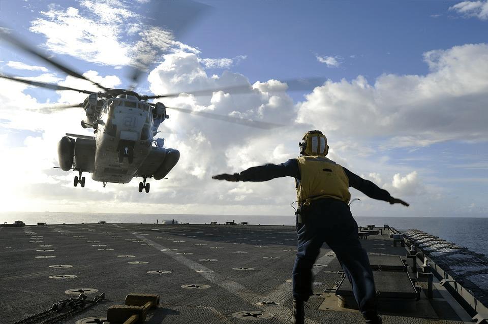 Helicopter Offshore Landing Advisor